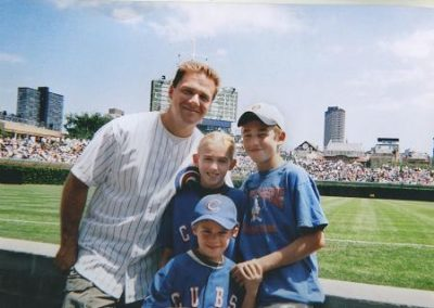 dad-kids-at-wrigley12